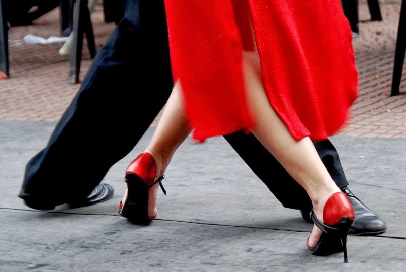 casal-danca_pes_tango