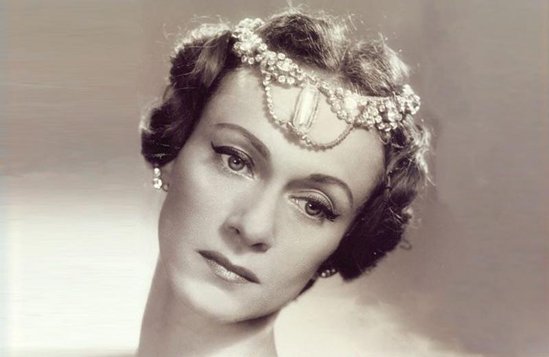 Tatiana Leskova, em 1955: bailarina russa naturalizada brasileira trouxe seu conhecimento das obras clássicas para o Theatro Municipal do Rio de Janeiro. | Foto: arquivo pessoal.