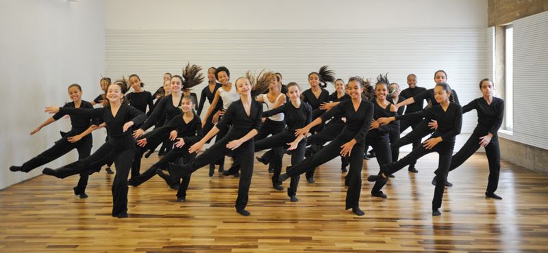 escola-de-danca-sp_students-in-black
