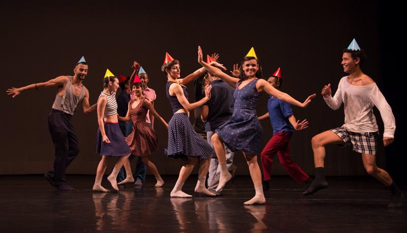 Bailarinos do Espaço Artístico Nicole Vanoni | Foto: Willian Abbin/divulgação