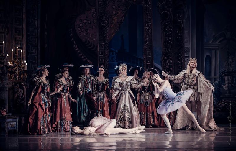 Ballet de Kiev em cena de A Bela Adormecida. | Foto: divulgação