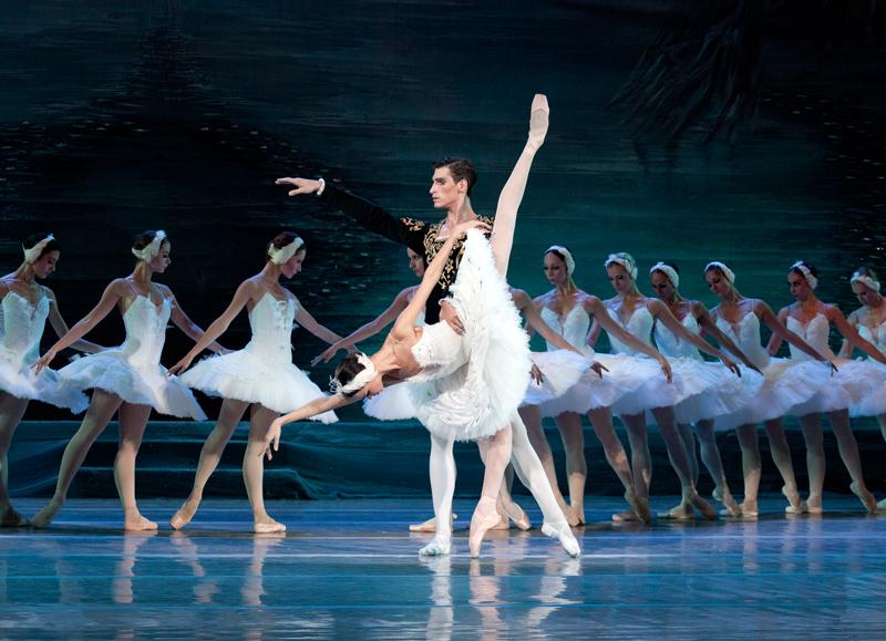 aba_kiev-ballet_swan-lake