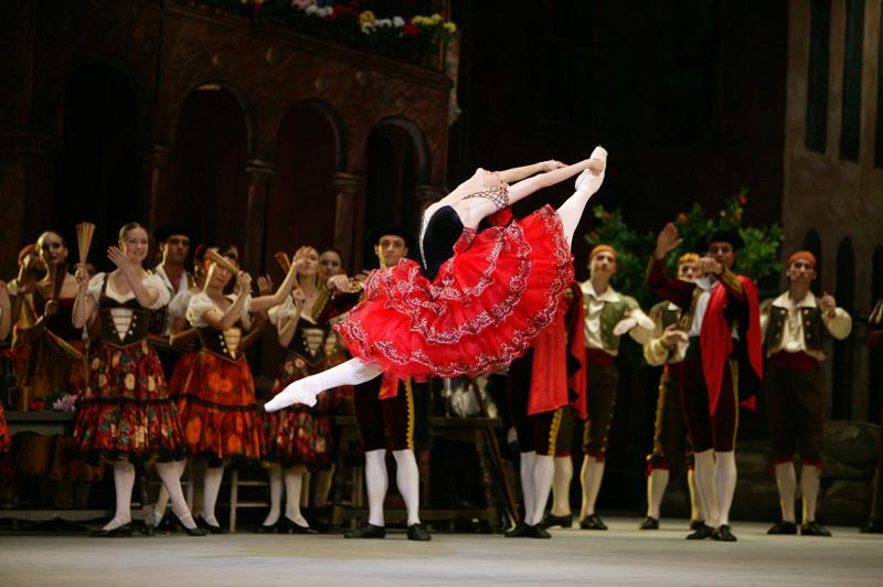 Ballet Bolshoi da Rússia em apresentação do clássico Dom Quixote | Foto: Damir Yusupov/divulgação
